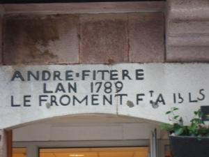 9 rue d'Espagne linteau 3
