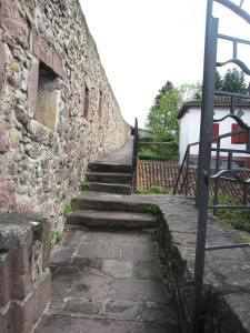 Chemin de ronde Porte de Navarre 1