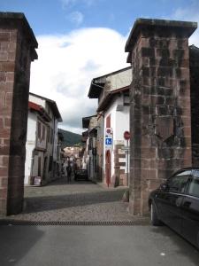 Porte d'Espagne 1